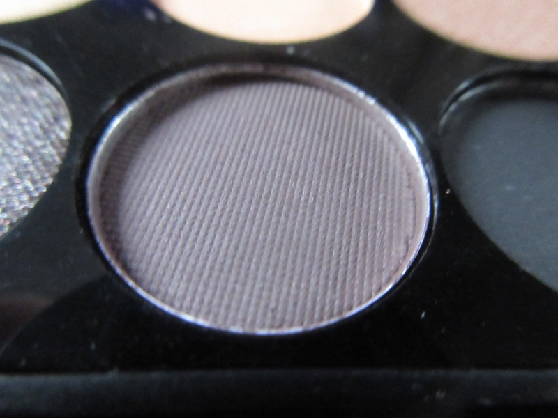 Swatch I Divine Au Naturel Palette, Sleek MakeUP