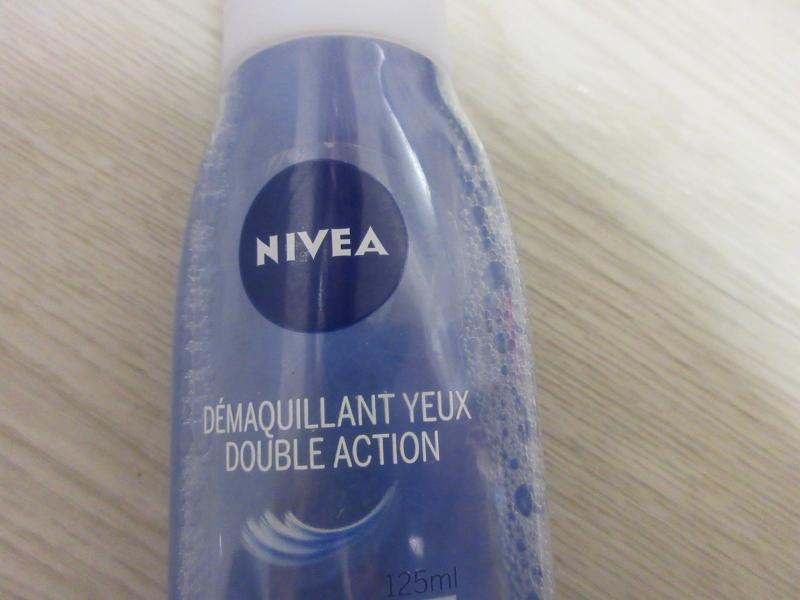 Swatch Démaquillant Yeux Double Action, Nivea