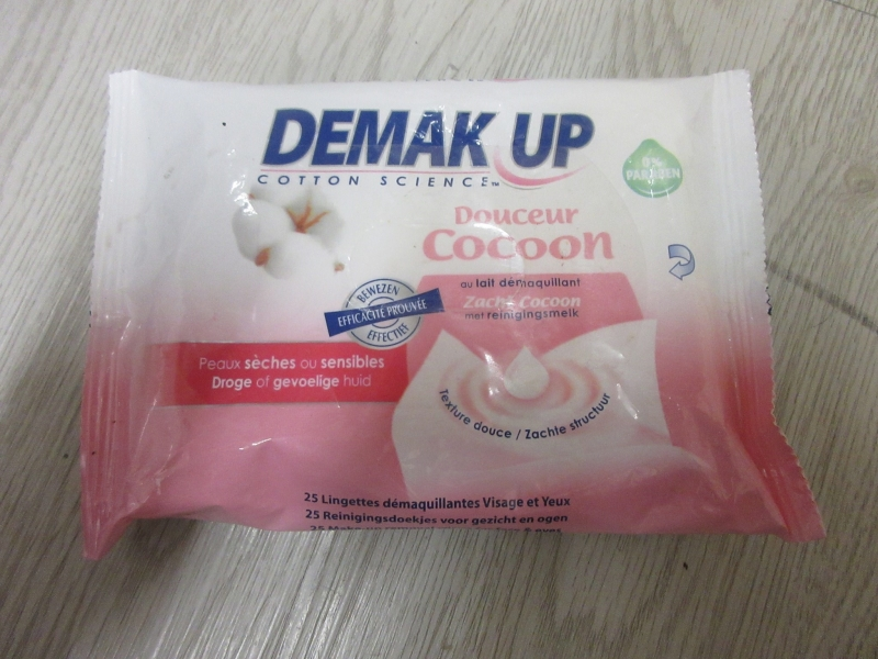 Swatch Lingettes Douceur Cocoon au lait démaquillant, Demak'Up