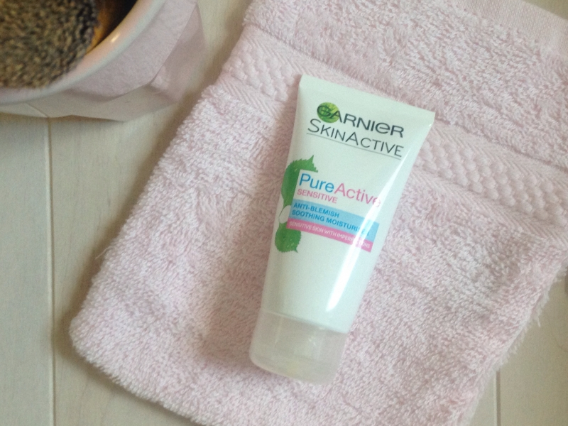 Swatch Hydratant apaisant anti-imperfections Pure active sensitive, Garnier