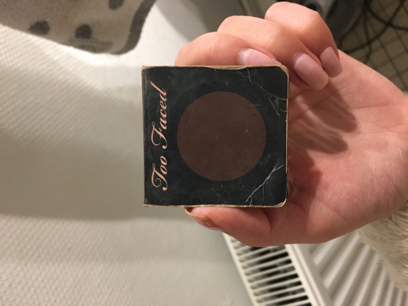 Swatch Milk Chocolate Soleil Bronzer Poudre Bronzante Matte, Too Faced