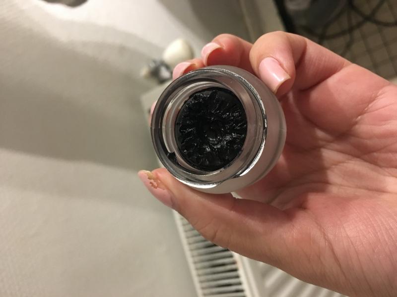 Swatch Lasting Gel Eyeliner, Kiko
