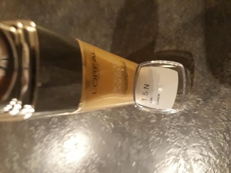 Swatch Accord Parfait - Fond de Teint Fluide, L'Oréal Paris