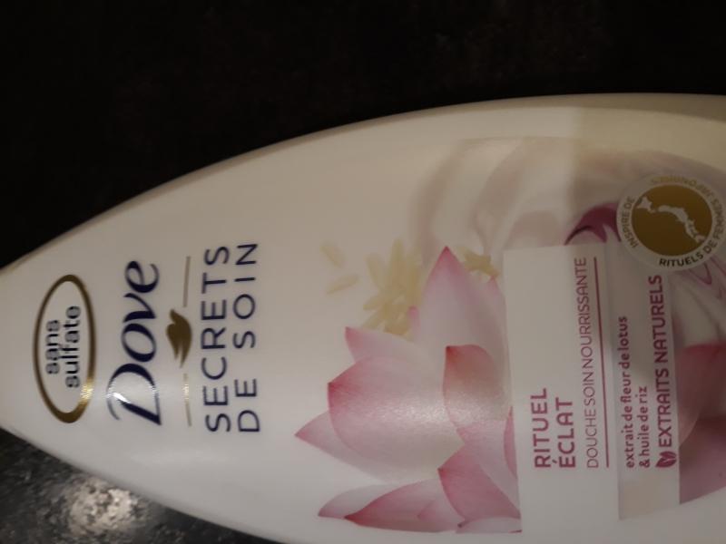 Swatch Gel Douche Secrets de Soin Lotus, Dove