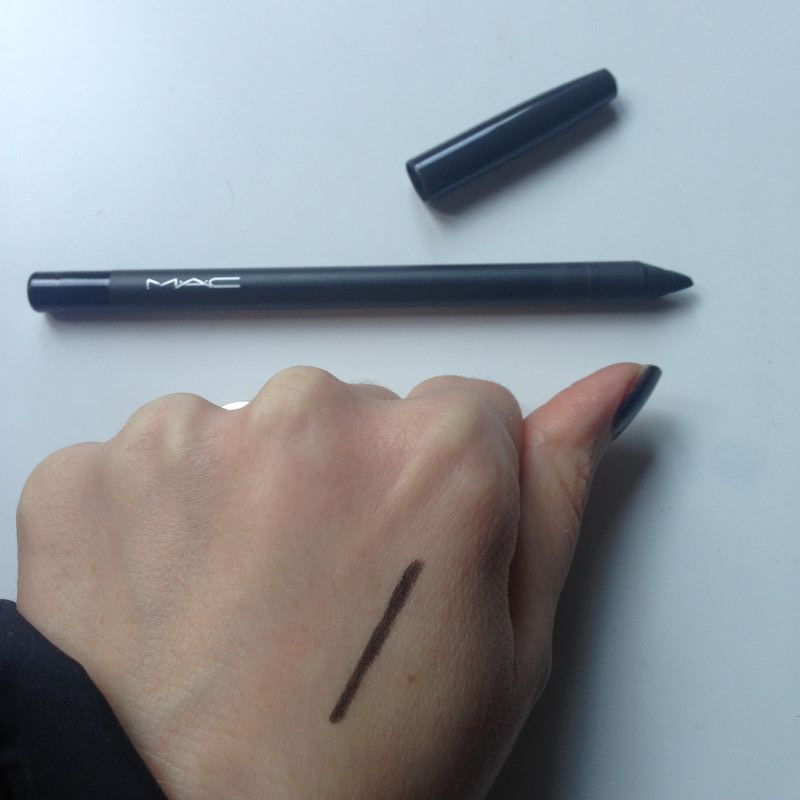 Swatch Pro Longwear Eye Liner, Mac
