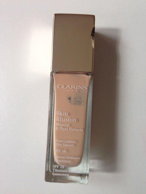Swatch Skin Illusion SPF 10, Clarins