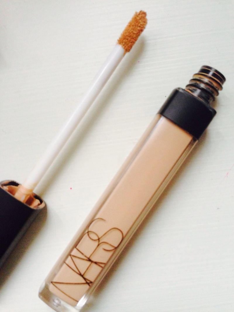 Swatch Radiant Creamy Concealer - Anti-Cernes Eclat, Nars