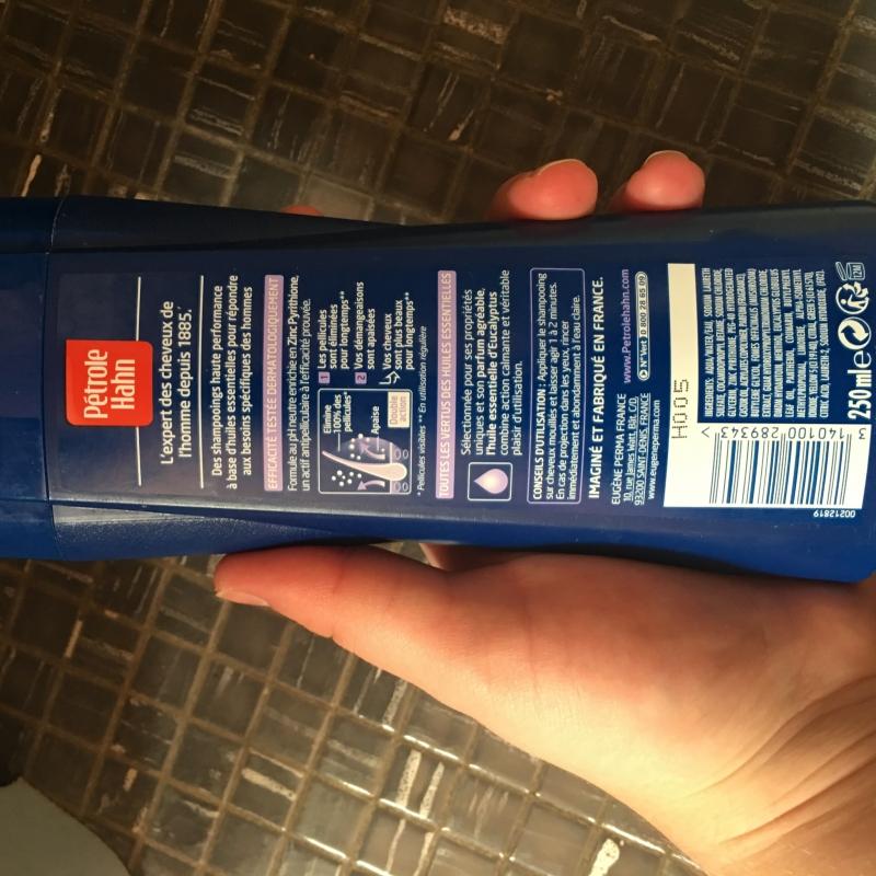 Swatch Shampoing anti pelliculaire et anti démangeaisons, Pétrole Hahn