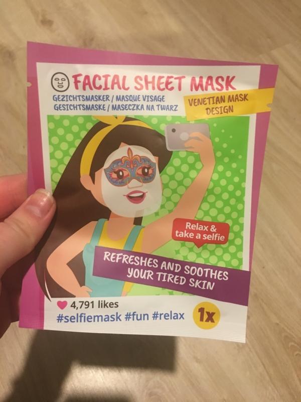 Swatch Facial sheet mask, Action
