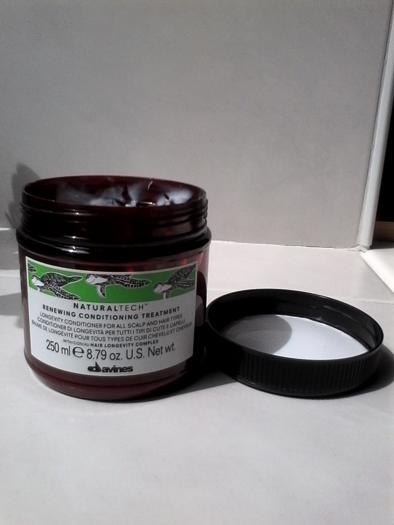 Swatch Naturaltech Renewing Conditioning Treatment, Davines