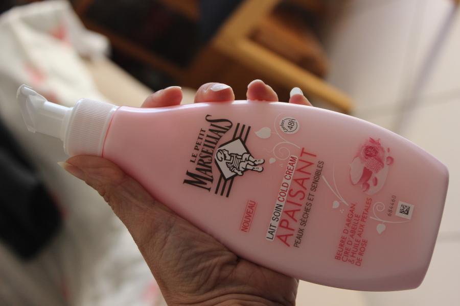 Swatch Lait soin cold cream apaisant peaux sèches et sensibles, Le Petit Marseillais