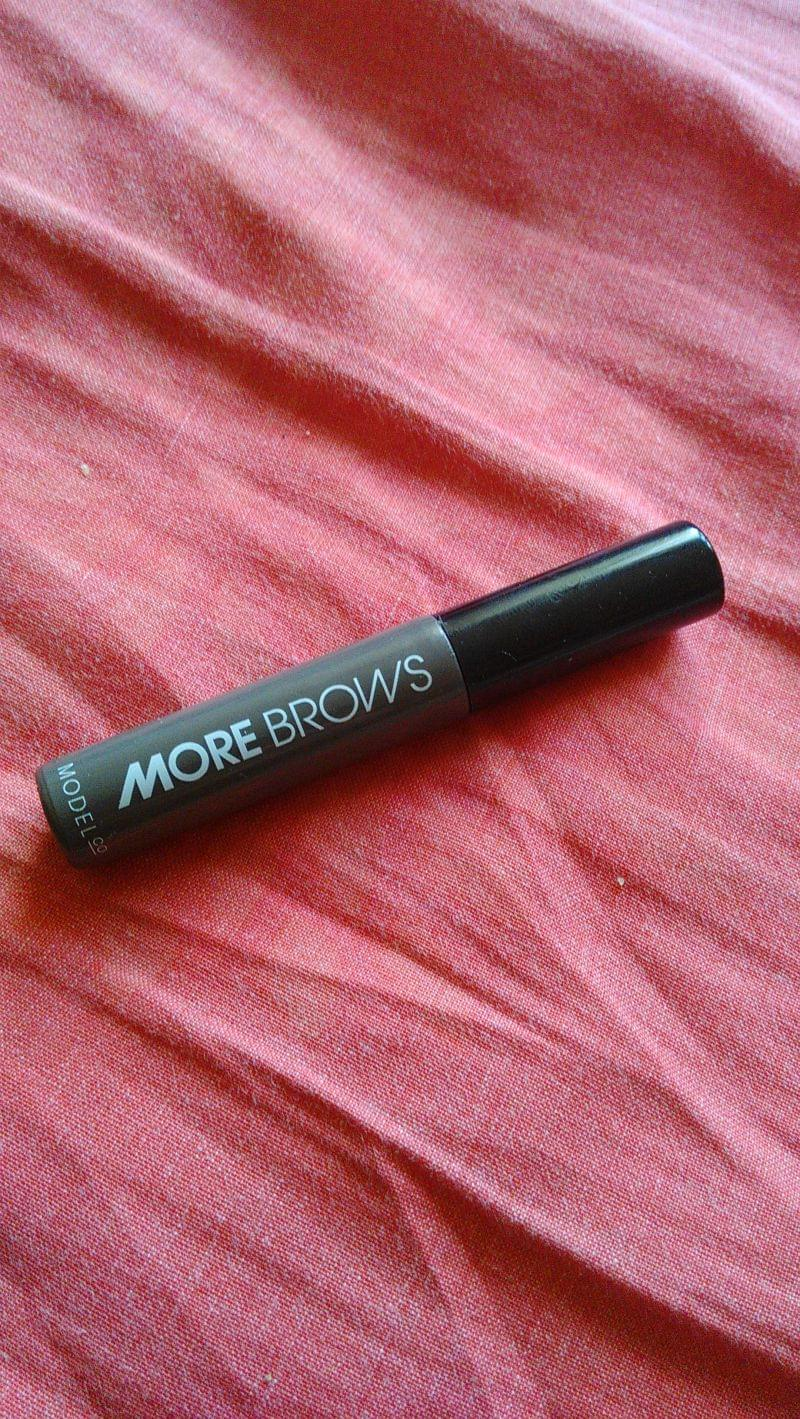 Swatch More Brows, Modelco