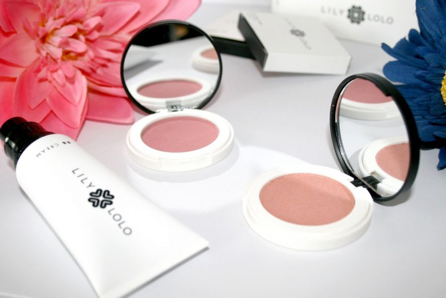 Swatch Blush Compact, Lily Lolo
