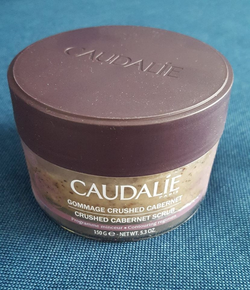 Swatch Gommage Crushed Cabernet, Caudalie