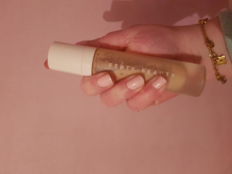 Swatch Pro Filt'r Soft Matte Longwear Foundation - Fond de Teint Longue Tenue, Fenty Beauty by Rihanna