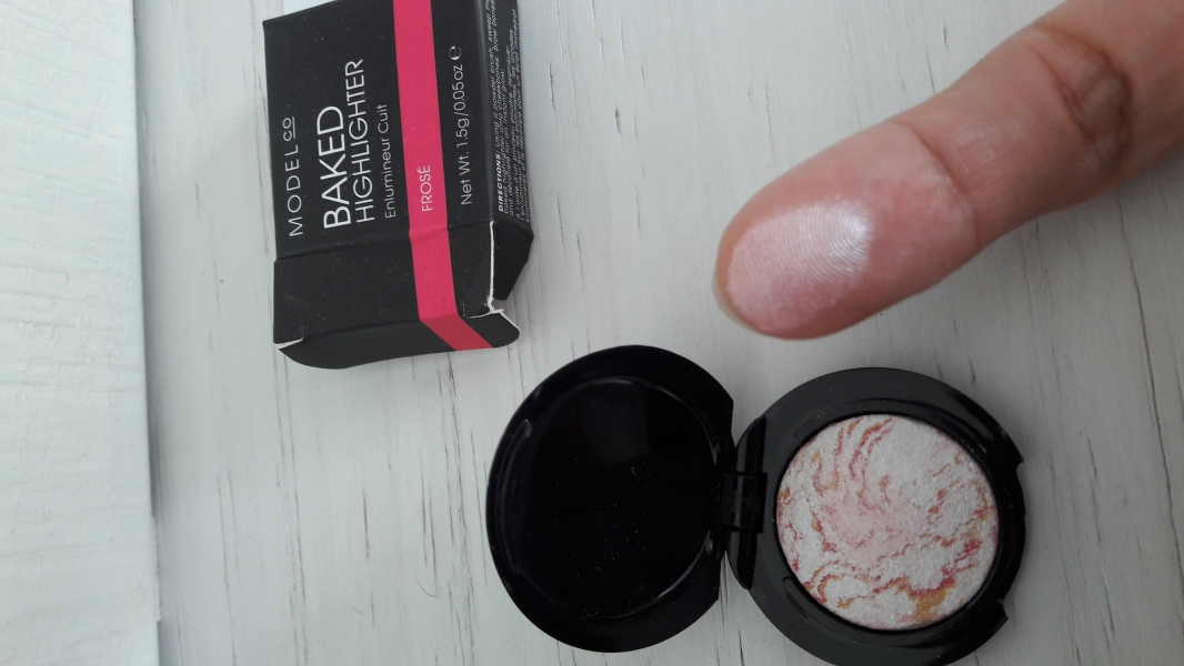 Swatch Baked highlighter, Modelco