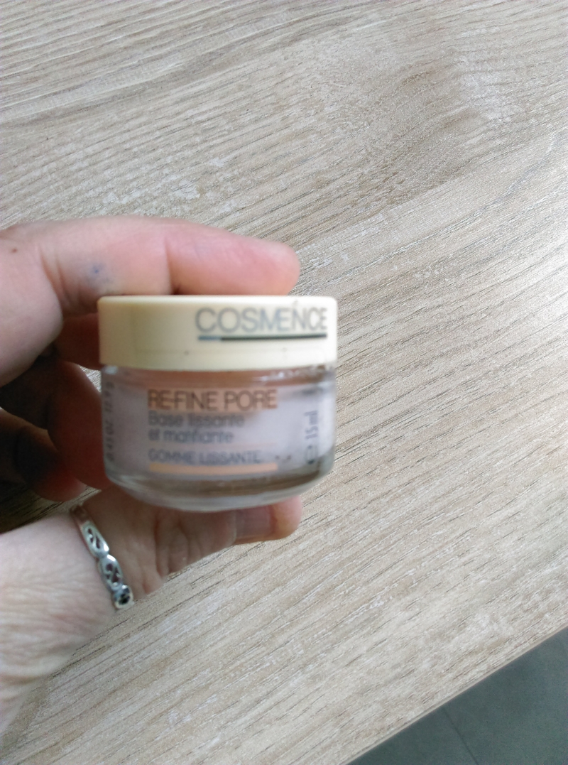 Swatch Base refine pore, Cosmence