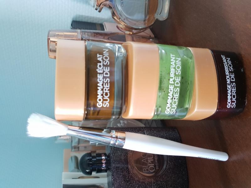 Swatch Sucres de Soin Gommage Purifiant, L'Oréal Paris