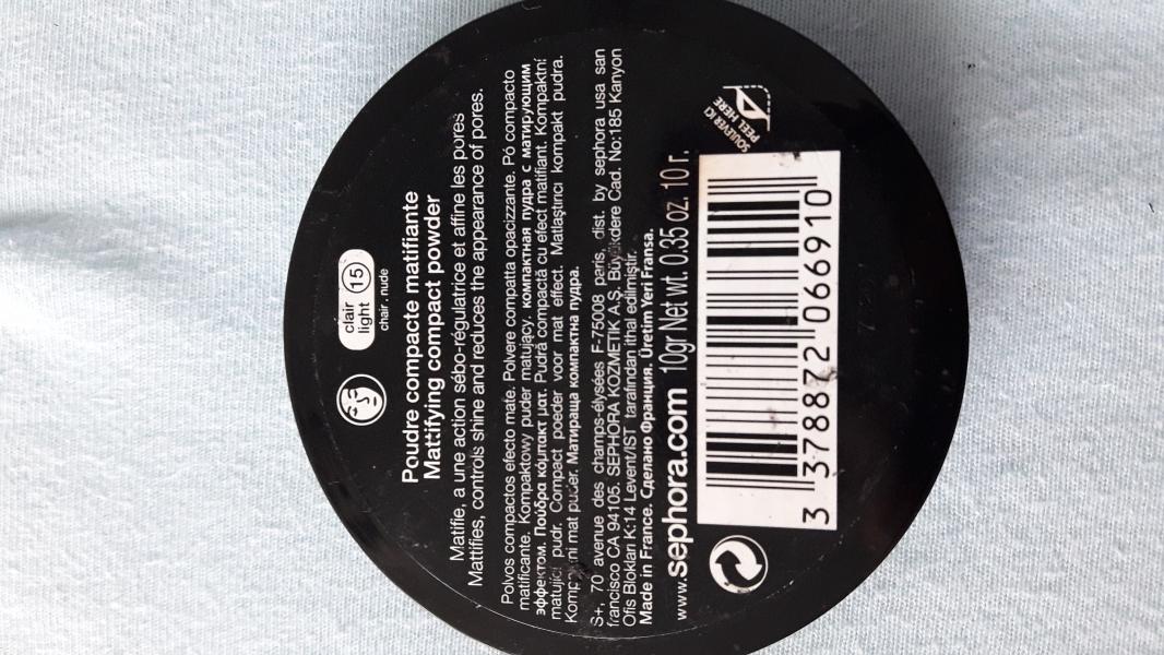 Swatch Poudre Compacte matifiante 8h, Sephora