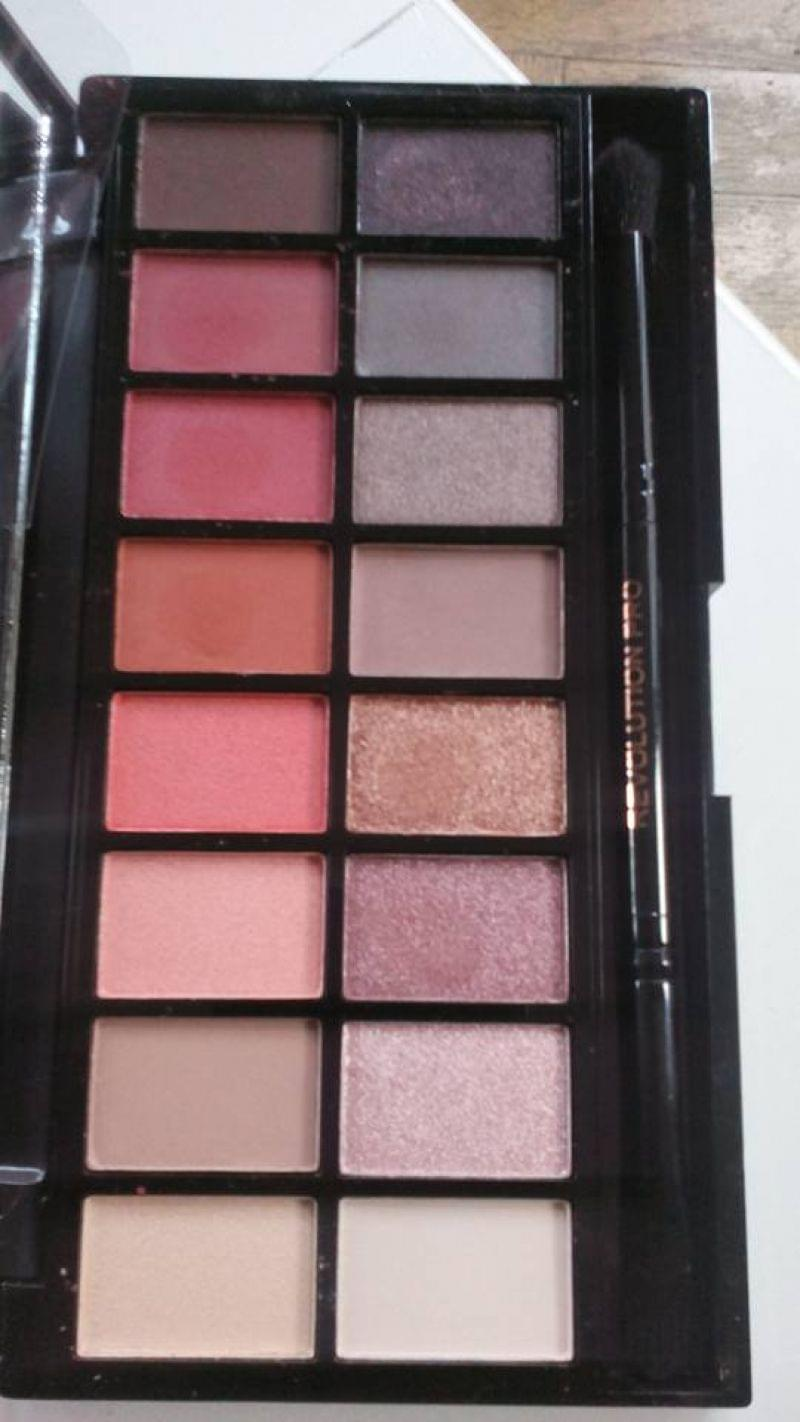 Swatch Newtrals vs Neutrals Palette, Makeup Revolution