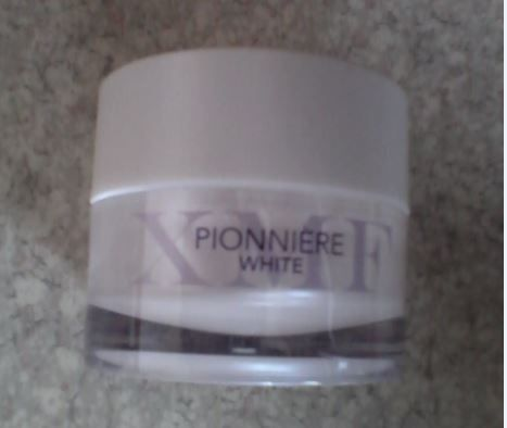 Swatch Pionnière XMF White, Phytomer