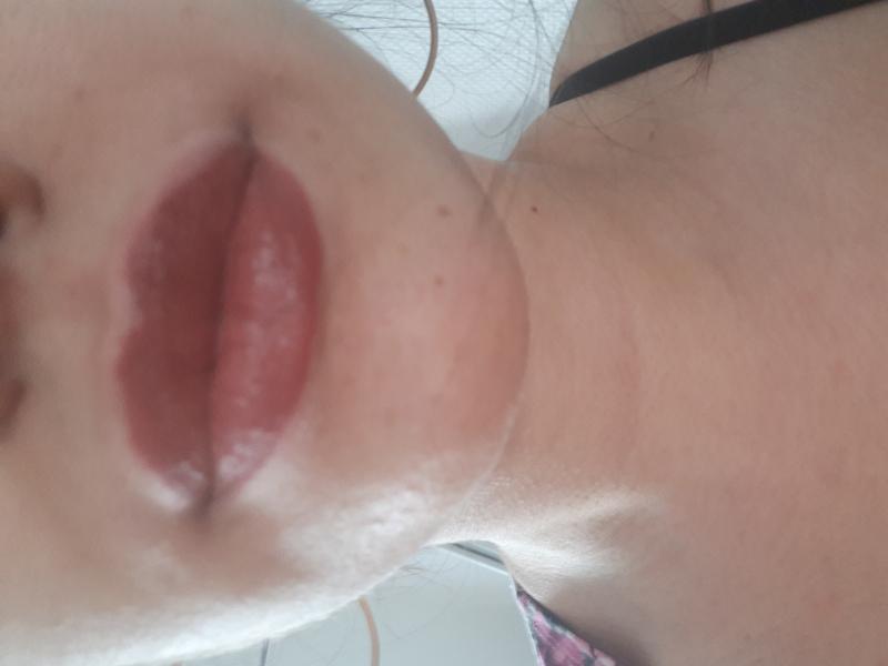 Swatch Lipstick, Max & More