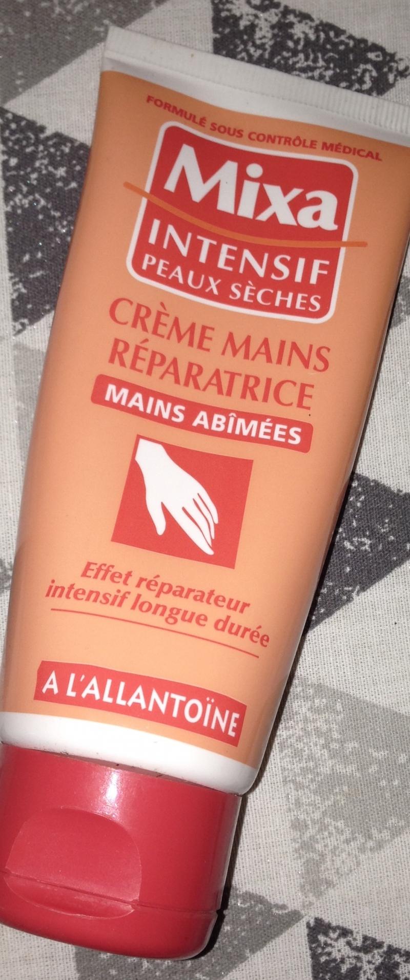 Swatch Crème mains réparatrices (mains abimées), Mixa