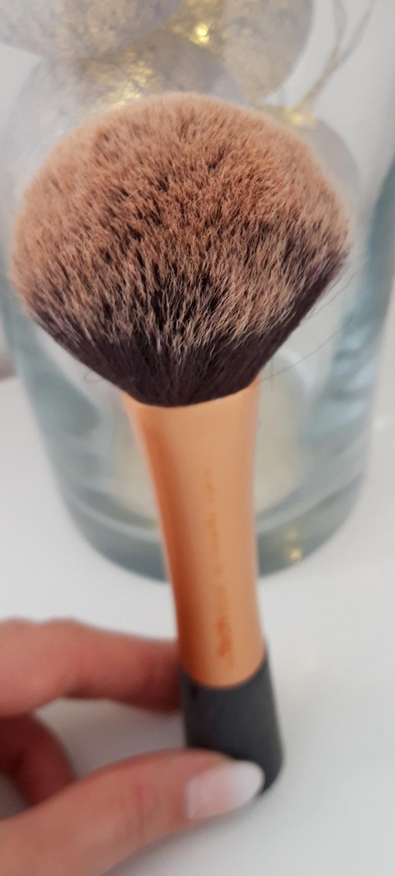 Swatch Powder Brush Pinceau Poudre, Real Techniques
