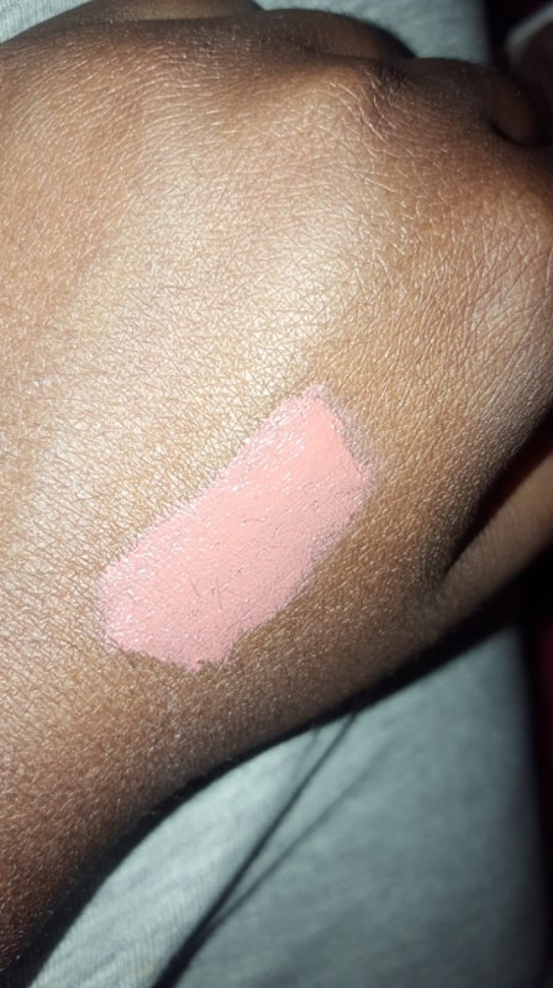 Swatch Lip Lingerie, NYX