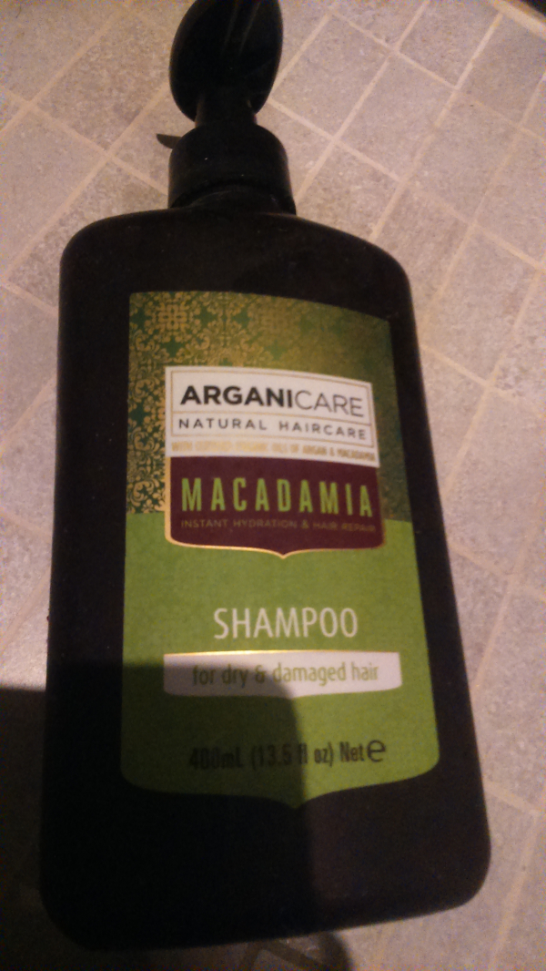 Swatch Hydrating Macadamia Shampoo for Dry and Damaged Hair, Arganicare