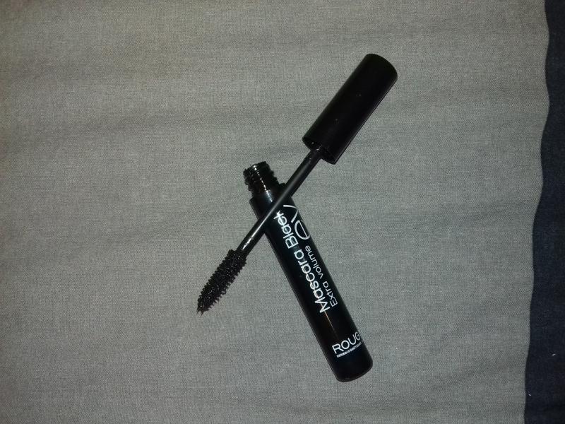 Swatch Mascara Black Extra Volume, Rougj