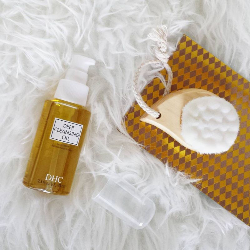 Swatch Deep Cleansing Oil, DHC