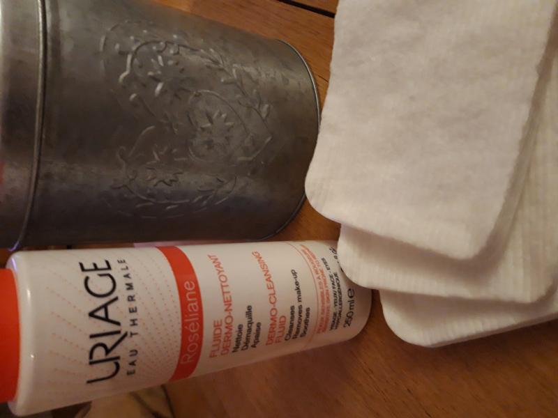 Swatch Roséliane Fluide Dermo-Nettoyant, Uriage