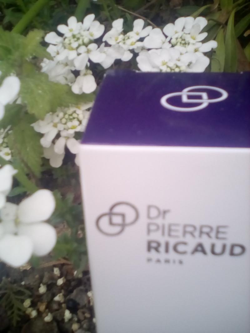 Swatch Crème correctrice et protectrice rides & taches SPF20, Dr Pierre Ricaud