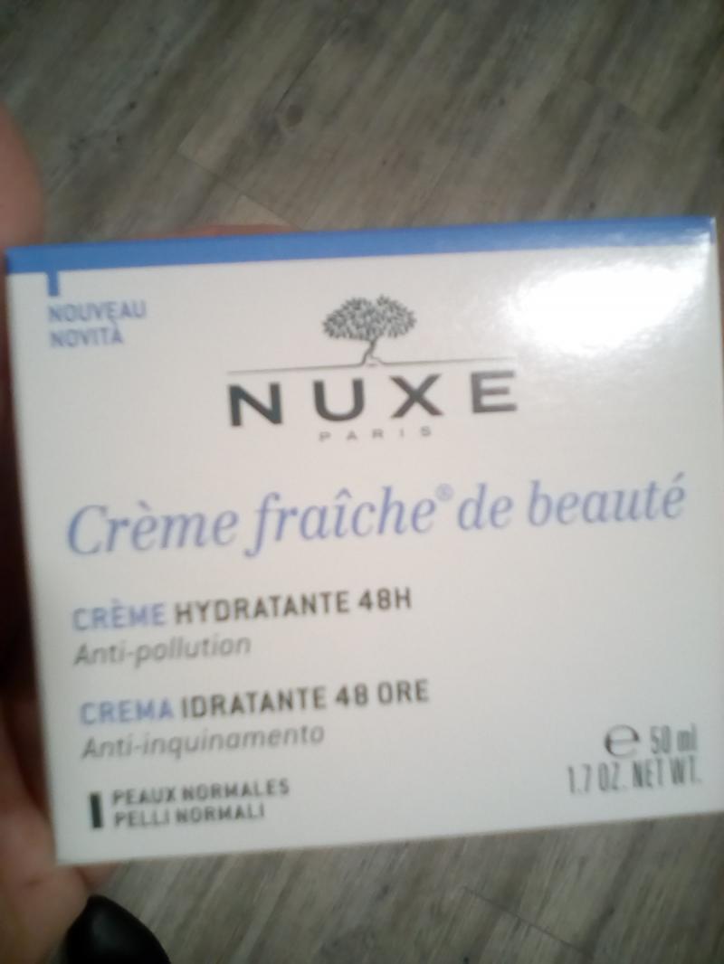 Swatch Crème Fraîche de Beauté, Nuxe