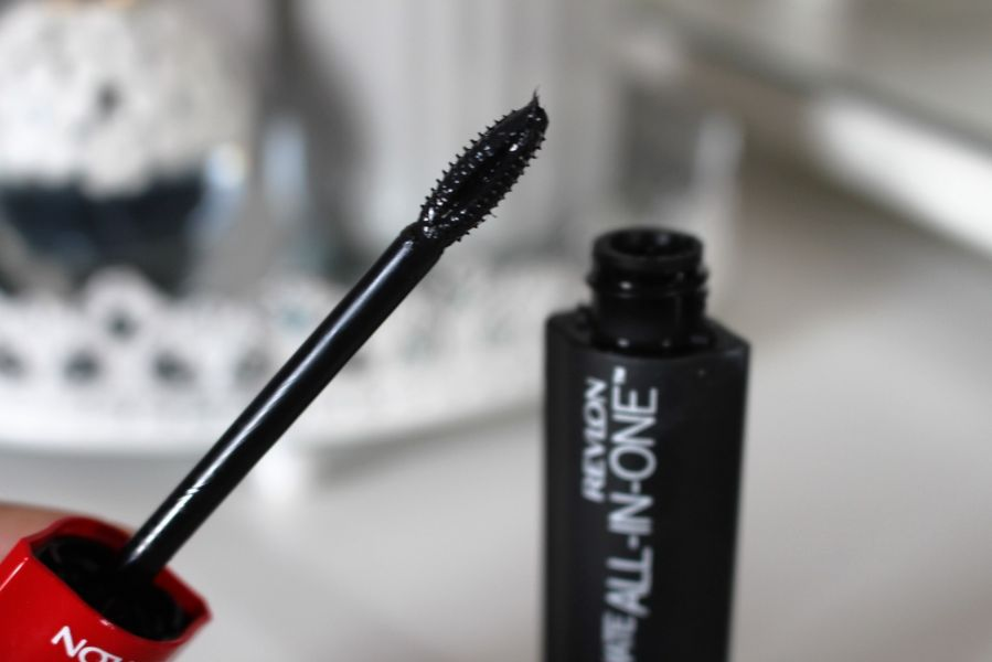 Swatch Mascara All In One, Revlon