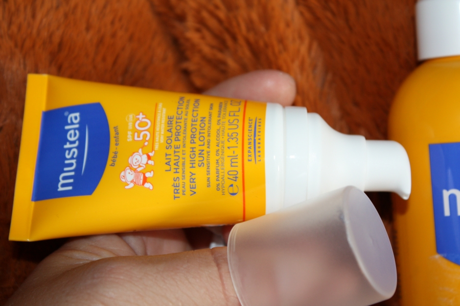 Swatch Lait solaire très haute protection 300ml - SPF50, Mustela