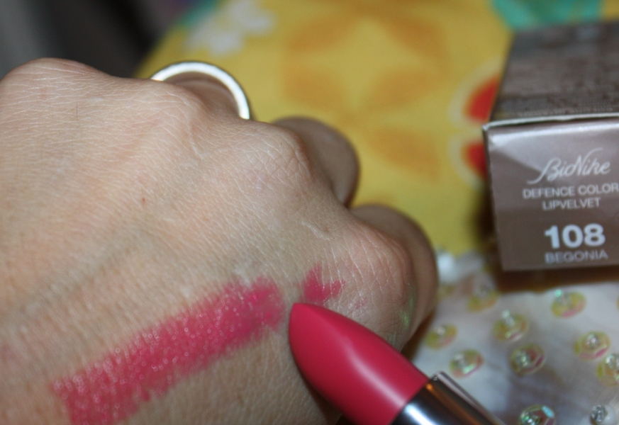Swatch Defence color lip velvet, Bionike