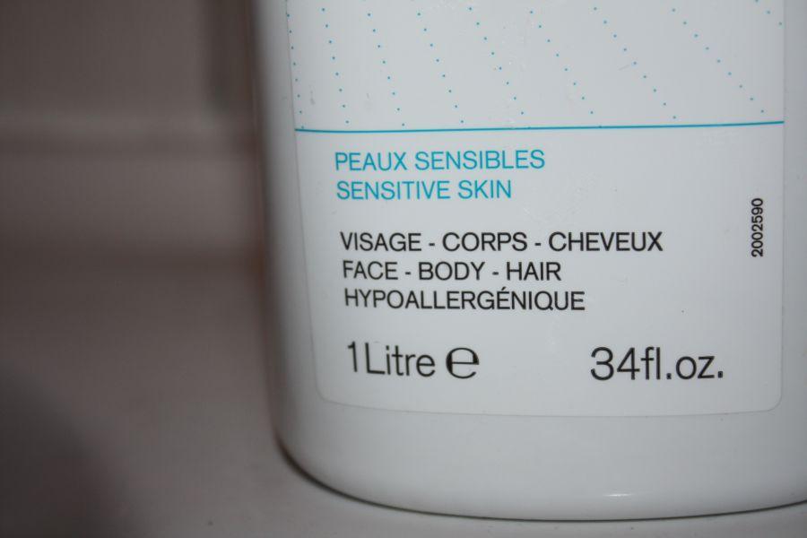 Swatch Crème Lavante Surgras Moussant, Uriage
