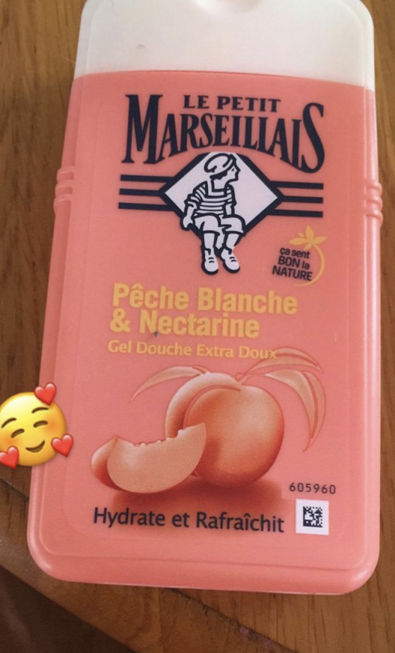 Swatch Lait Douche Extra Doux, Le Petit Marseillais