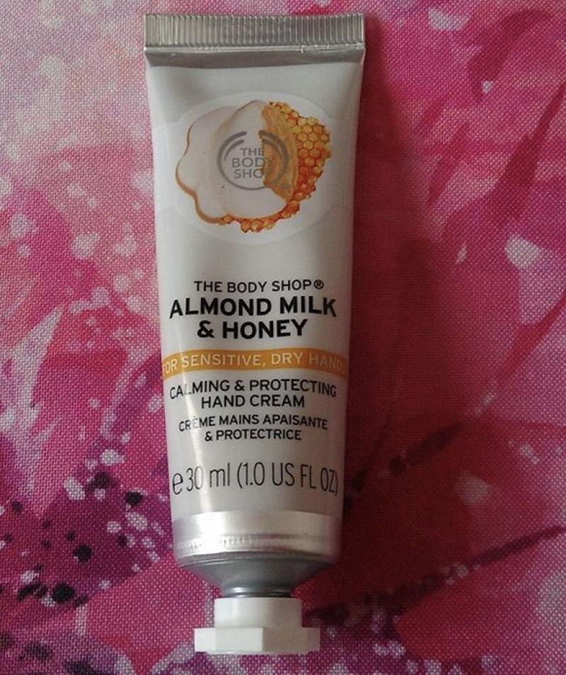 Swatch Almond Milk & Honey, The Body Shop