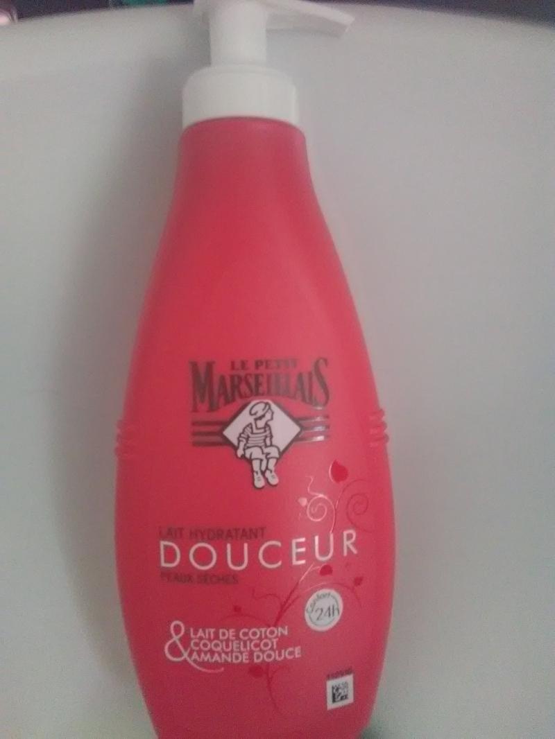 Swatch Lait Hydratant Douceur Peaux Sèches, Le Petit Marseillais