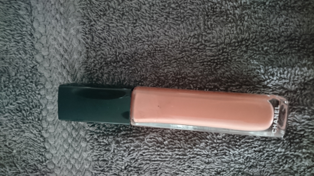 Swatch Rouge Allure Gloss, Chanel