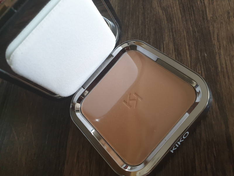 Swatch Matte Fusion Pressed Powder 03, Kiko