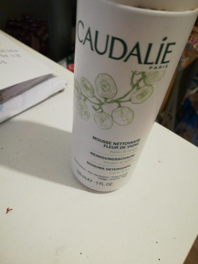 Swatch Mousse Nettoyante Fleur de vigne, Caudalie