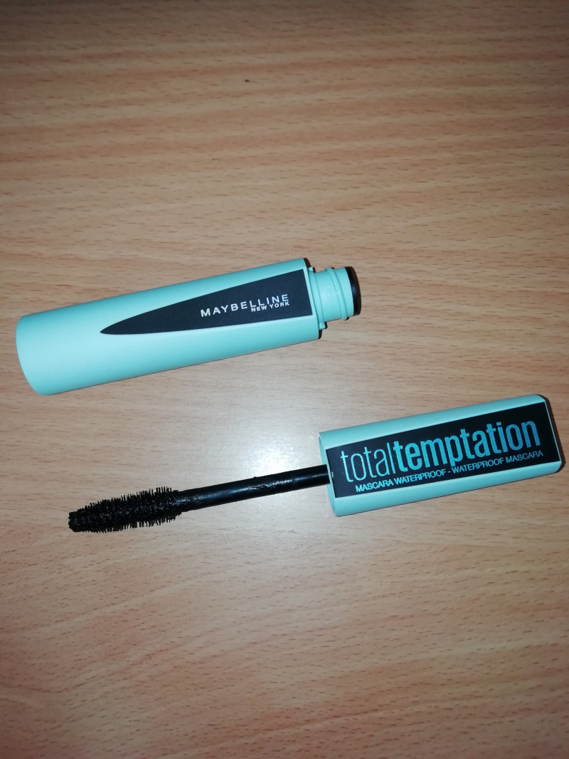 Swatch Mascara total temptation, Maybelline New York