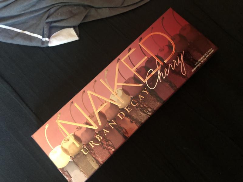 Swatch Naked Cherry - Palette de fards à paupières, Urban Decay