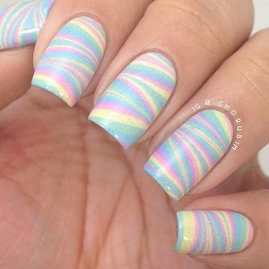 nail art arc en ciel