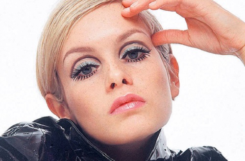 Twiggy maquillage années 60