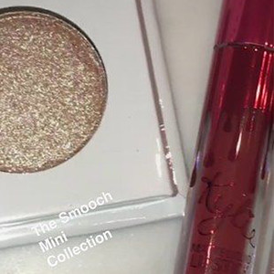 Kit smooch de la collection Valentine's Day de Kylie Jenner